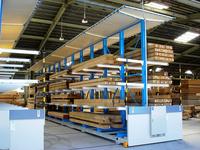 0113 木材市場の乾燥杉桧桁材の養生と陳列用ラック (株)東海木材相互市場 大口市場