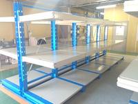 0161 多品種・多サイズな建機レンタル品を効率よく保管できる棚板付きラック (株)カナモト羽田営業所