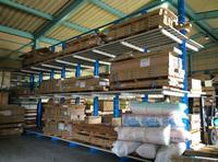 0163 多品種・多サイズな建材を効率よく保管できる棚板付きラック(株)ハウス・デポ関東 埼玉東営業所