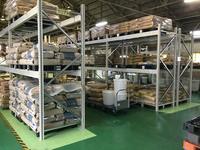 0181 プラスチック成型品用原材料の種類別保管ラック ファインプラス株式会社 七尾工場