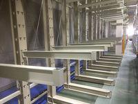 212 サイズの異なる機械部品を保管するバーラック O社