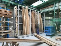 218 建築資材を整理整頓する立て掛けラック (有)斉藤工務店
