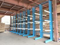 240 製材品を養生保管するためのバーラック (有)ニューチップ