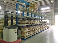 258 ステンレス製品を保管するためのバーラック A社