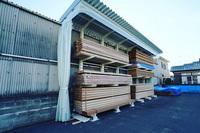 264 出筋の木材の取り出しスピードをあげる為の保管ラック (株)鷹野材木店