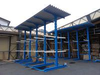 270 屋外で商品を保管するためのバーラック (有)伊豆木材市場 ハウス・デポ伊豆