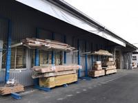 291 プレカット工場の完成品の品質保持補助用ピッカーとシートカーテン  A社