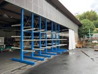 317 内装建材を保管するためのバーラック A社