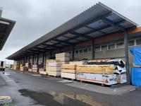 325 木材を一時保管するための屋根付きラック A社