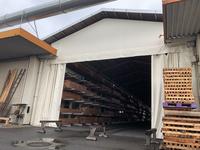 326 倉庫と倉庫の間を塞ぐためのカーテン A社