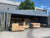 336 雨に濡れてほしくない屋外保管商品を守る簡易倉庫(伸縮式テント) A社