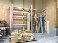 351 複数種類ある建築資材を縦置きで保管するためのパレットラック A社