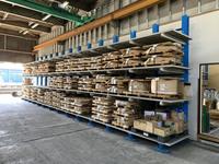 352 伸銅品、アルミニウム、ステンレス等の加工前の原材料保管バーラック(キャンチレバーラック) A社